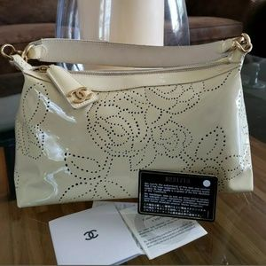 Chanel authentic shoulder bag cream